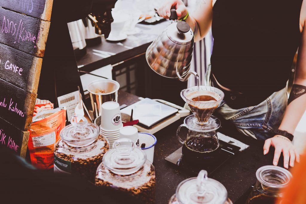 Młynek do kawy żarnowy - Jak mielić kawę