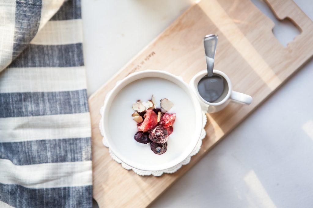 Jogurtownica czyli domowy jogurt naturalny
