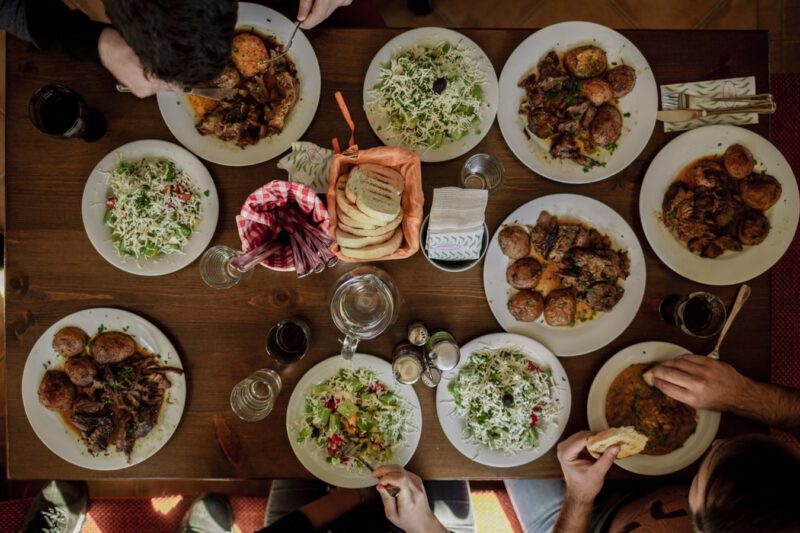 Kuchnia Bulgarska Przepisy Zupy Sery Wina Salatki Dania Glowne Alkohole Co Zjesc W Bulgarii