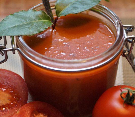 Szybka zupa pomidorowa bez mięsa